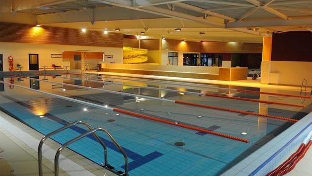 Spadium lesneven abers complexe aquatique piscine et for Piscine de salles horaires